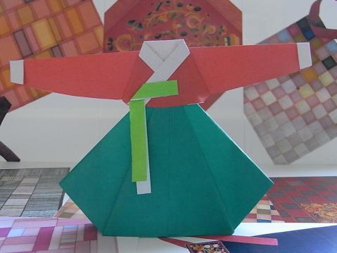 折り紙のチマチョゴリ
