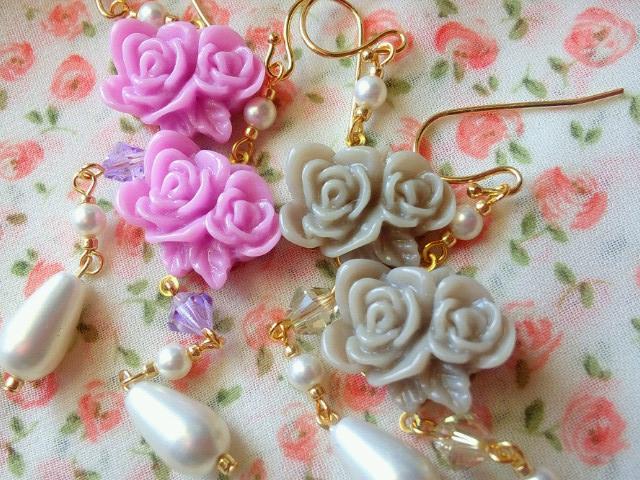 2輪薔薇カボションと雫パールのフックピアス4