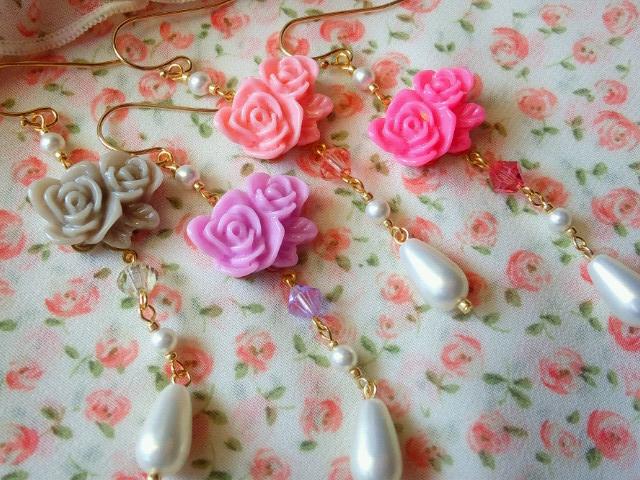 2輪薔薇カボションと雫パールのフックピアス5