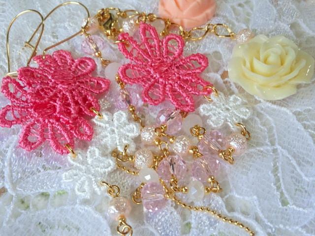ピンクお花レースとカットガラスの変形フックピアスアンクレット2