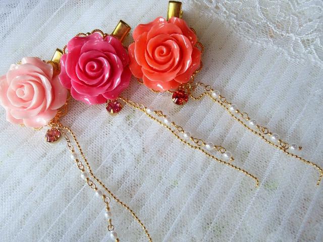 クリスタライズフリンジ付薔薇カボhソンのヘアクリップ艶1