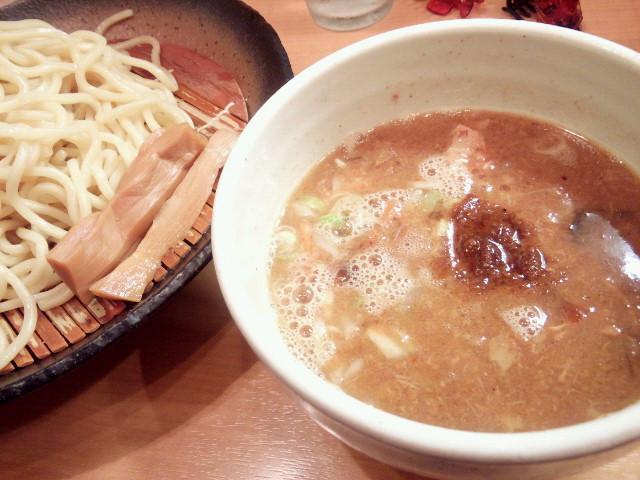 20130925新御茶ノ水とろ肉つけ麺 魚とん2