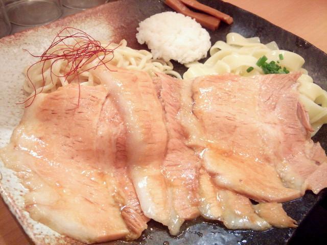 20130925新御茶ノ水とろ肉つけ麺 魚とん5