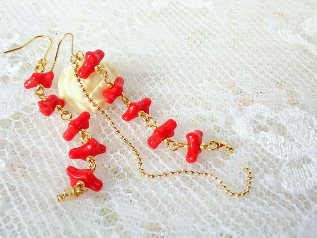 cz赤サンゴ繋ぎのフックピアス2