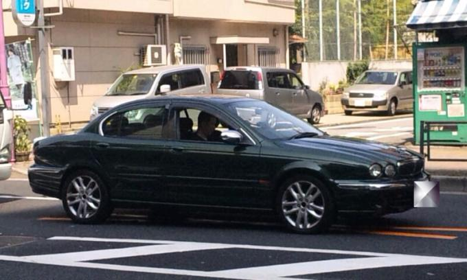 JAGUAR   X  TYPE_20110818