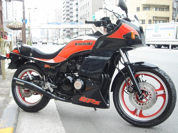 gpz400-a1.jpg