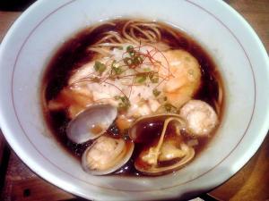 麺と心 7 牛骨魚貝そば 濃口(にんにく無し)
