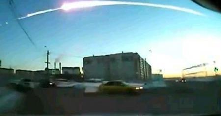 ロシアで撮影された隕石落下の映像 20130215