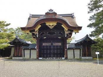 京都御所建春門
