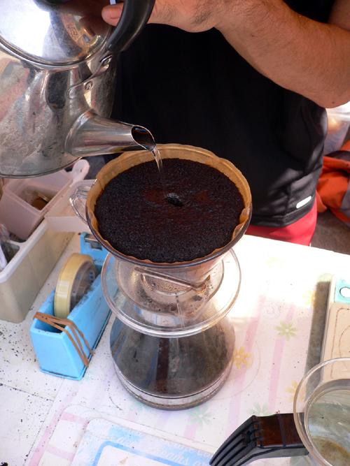 コーヒー立てる