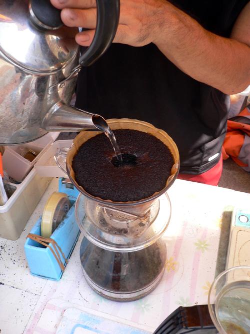 コーヒー立てる2