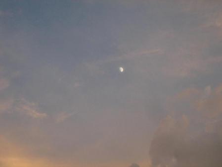 夕焼けとお月さま 019