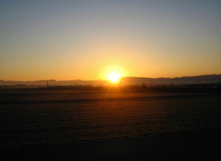 朝陽が昇る 047