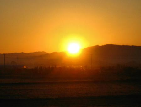 朝陽が昇る 045