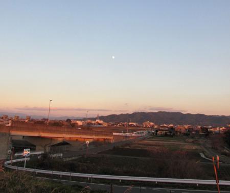 夕陽と多良岳 001