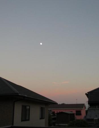 お月様と温泉 013