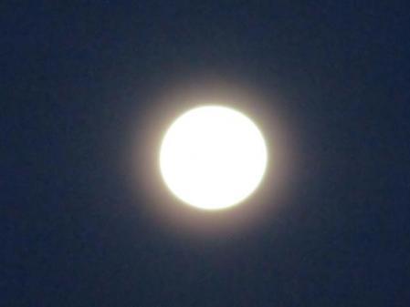 朝の月と天山 004