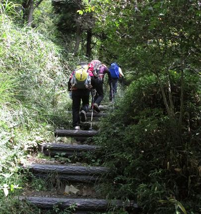 再び天山へ雨山 066