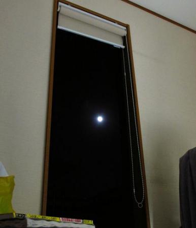 窓の月 009