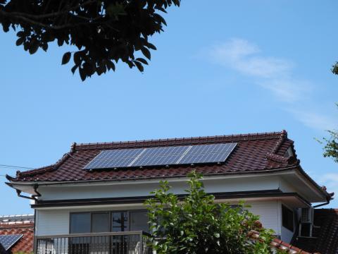 我が家の太陽光発電 他の屋根を含めパネル10枚