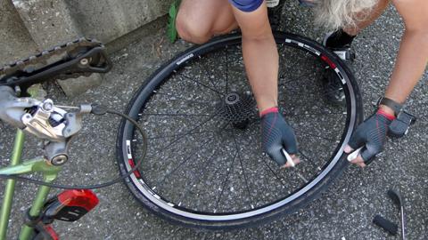 1409自転車パンク