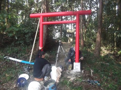 出羽神社作業風景