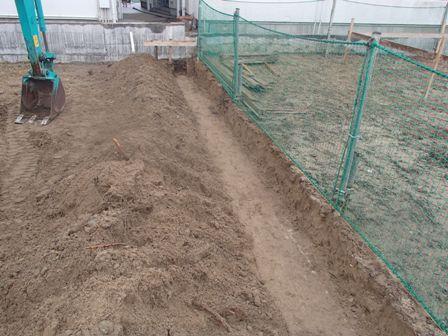 P3180191マルヘイ床掘り