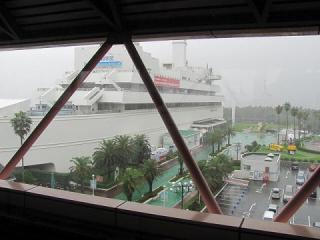 台風接近 船の科学館駅_2501