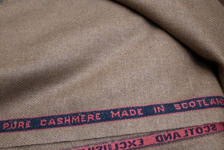 ピュアカシミヤのジャケット生地です