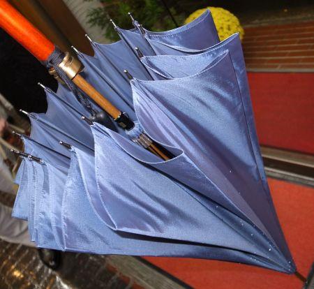 オーダー傘は軽い