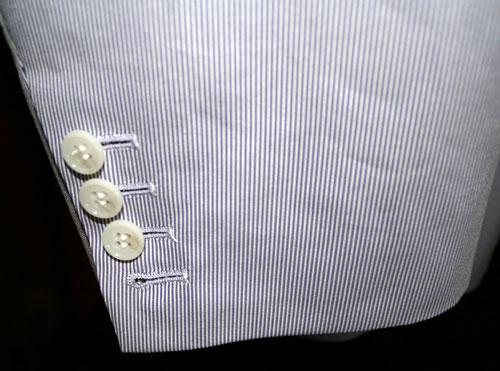 コットンコードレーンのオーダースーツ袖本切羽でまくれます