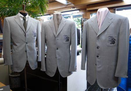 オーダースーツの企業用制服