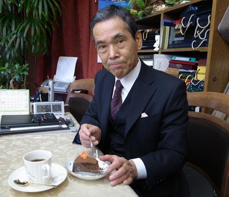 ファヴールのケーキをコーヒーをのみながら