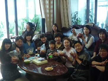 画像 2011年 釜山学習旅行 047 キムチ作り全員