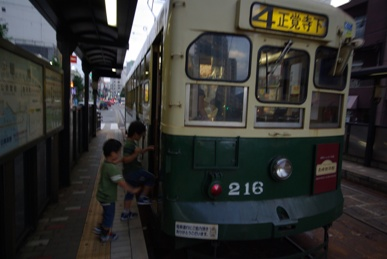 長崎、路面電車のある街