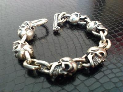 6_Skulls_bracelet-002.jpg
