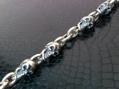 6_Skulls_bracelet-004.jpg