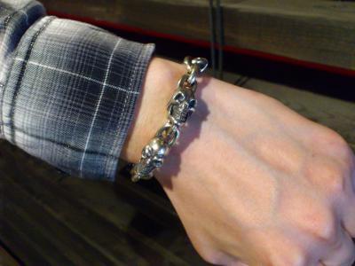 6_Skulls_bracelet-007.jpg