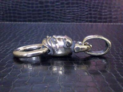 Bulldog_head_pendant-03.jpg