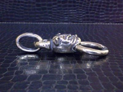 Bulldog_head_pendant-04.jpg