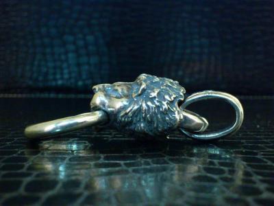 Lion_head_pendant_005.jpg