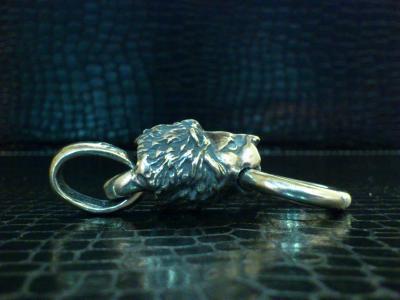 Lion_head_pendant_006.jpg