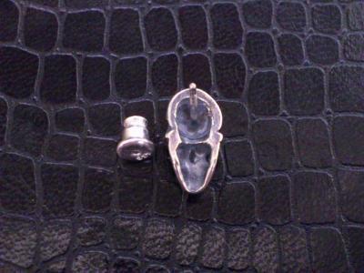 Miniature_skull_earring_002.jpg