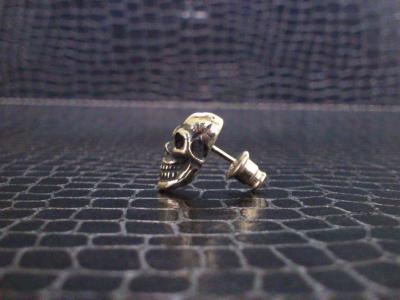 Miniature_skull_earring_003.jpg