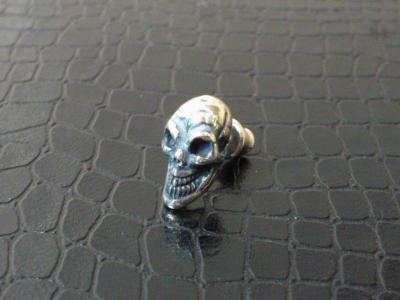 Miniature_skull_earring_005.jpg
