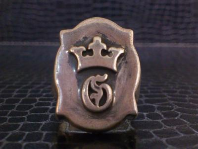 Raised_old_shield_GCrown_ring-001.jpg