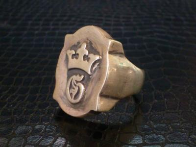 Raised_old_shield_GCrown_ring-002.jpg