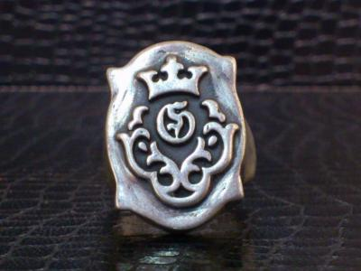Raised_old_shield_Gaboratory_logo_ring-001.jpg