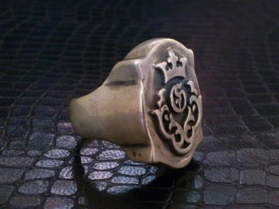 Raised_old_shield_Gaboratory_logo_ring-003.jpg