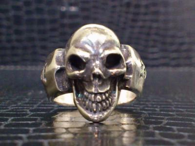 Single_skull_ring-002.jpg